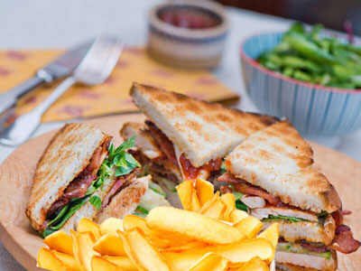 Serres Delivery Mamma`s Pizza Club sandwich Κοτόπουλο